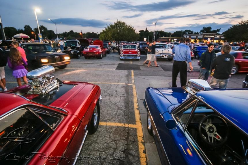 woodward dream cruise, detroit car shows, cruising woodward boulevard