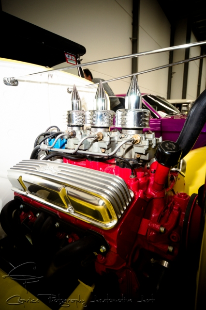 triple carbys, v8 engine