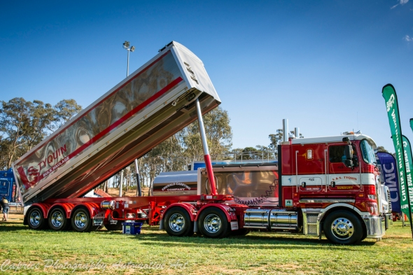 tip trucks, tippers,
