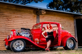 Red hot EveElle Scarlet with Lee's wild 32!